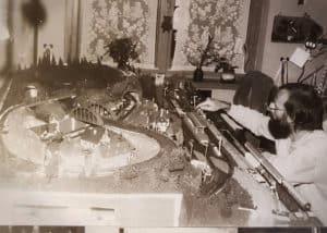 Erstes großes Holzbearbeitungsprojekt war damals die Modellbauplatte, die mir mein Vater schenkte.